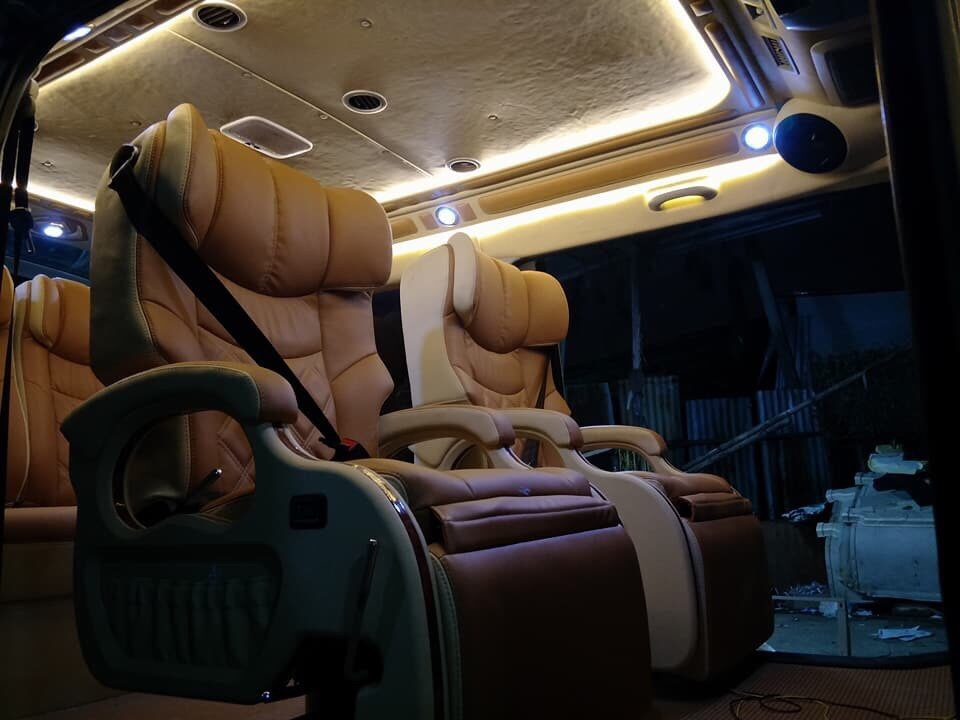 Độ xe limousine hạng sangHldxwm4